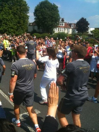 The flame passes through Barnet (Victoria Park, Finchley)