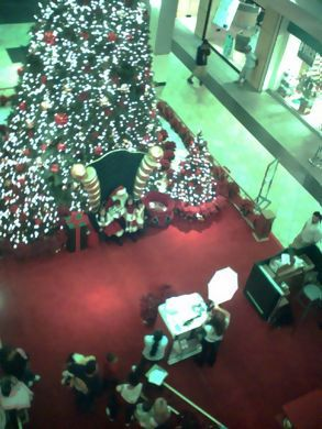 Mall santa from above