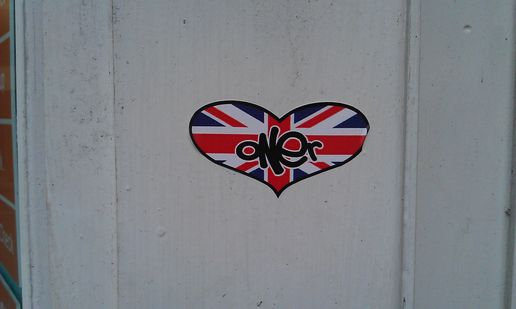 Streetart in bristol does the jubilee