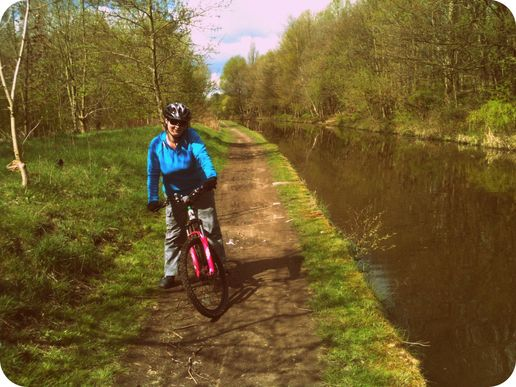 Bike ride to Portland Basin from Romiley