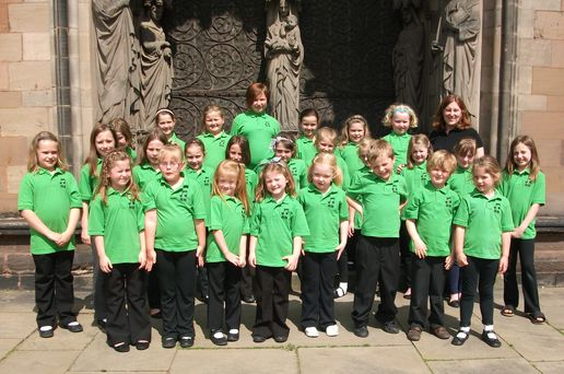 Choir sings at Lichfield Cathedral