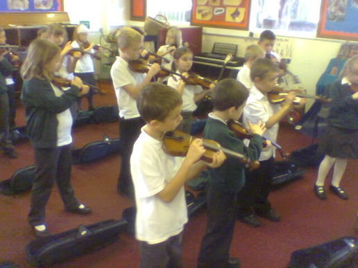 Whole class violin tuition