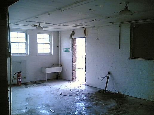Old school saved to become a Youth Centre (We say no to asset stripping)