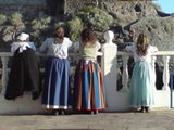 local fiesta, los gigantes