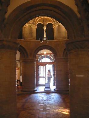 For Bronxelf Round Church Interior Entrance At Euphro S Moblog