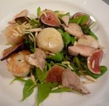 Scallops with figs, fois gras and almonds