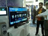 Demoing the Boxee Box @ CES 2010