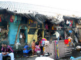 Mumbai shacks lining the road to the airport