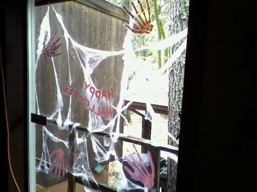 i did up some pretty perfect spiderwebs, using few thumbtacks