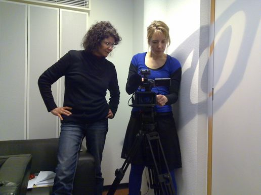 All day long interview by Maya Goetz (IZI, Prix Jeunesse) at  KRO, in Hilversum (NL).