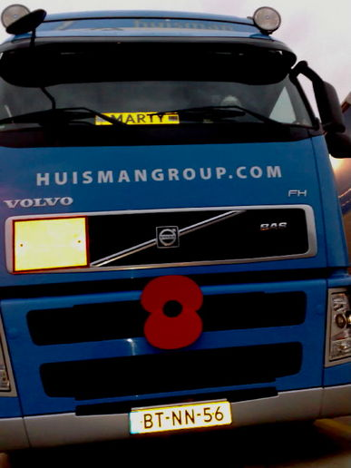 Now THAT'S wearing your Poppy  with pride!