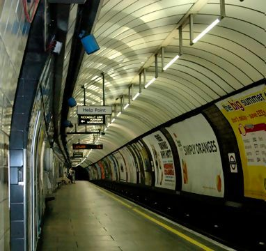 Deserted Piccadilly Line