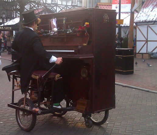 The cyclopianist