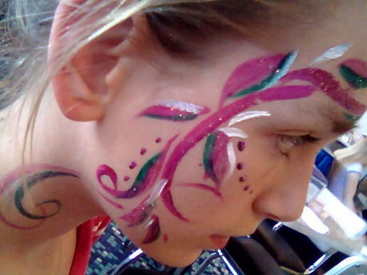 Swirly face paint
