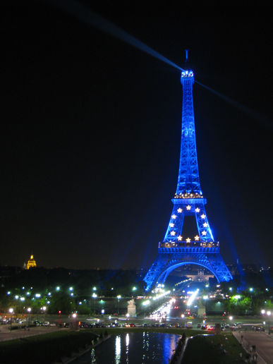 Eiffel+tower+pictures+at+night