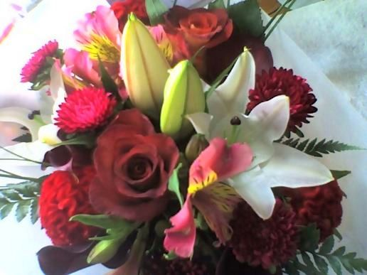 Valentine's Day Flowers. Valentine's Day Flowers. (viewed 1568 times)