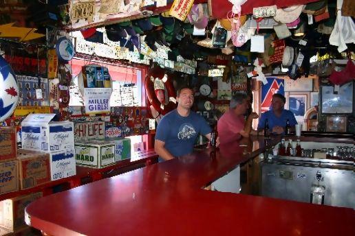 Genial Top Gun Bar!