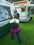 Pavarotti buys an ice cream