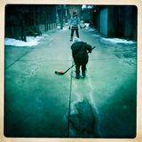 xmas day shinny in the alley