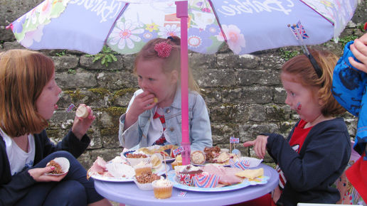 a Barbie table for these children